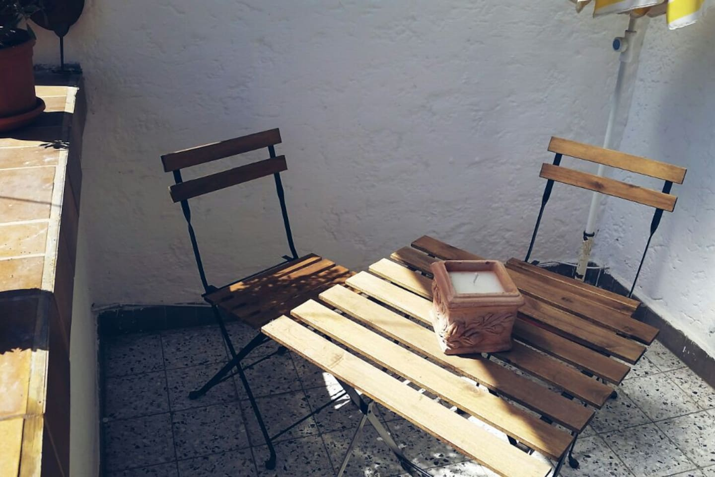 Sitzplatz auf dem eigenen Balkonanteil