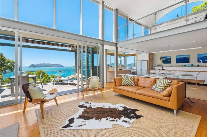 Award-winning 'Pittwater House' at Mackerel Beach