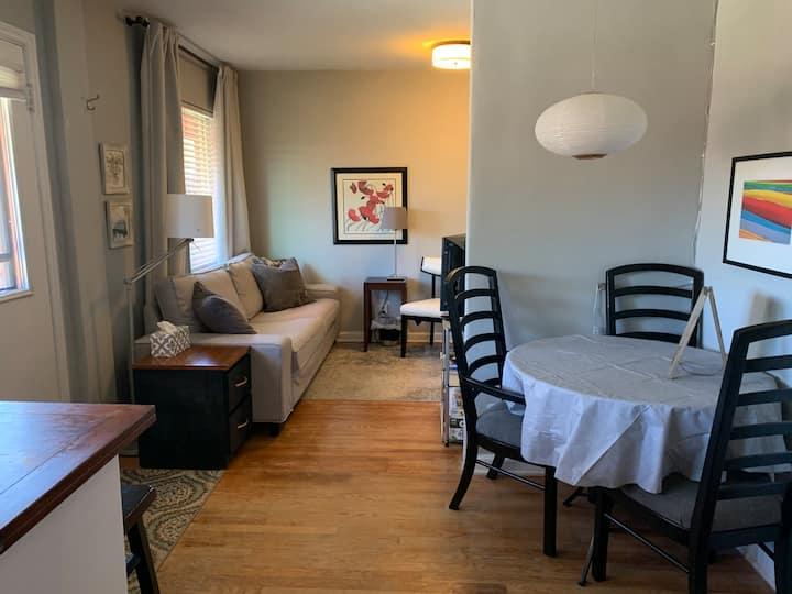 Light-Filled Park Hill-Main Floor Apt Cozy & Quiet
