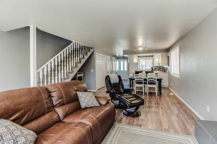 """Whitewater Park Townhouse Duplex """"The Dup"""""""