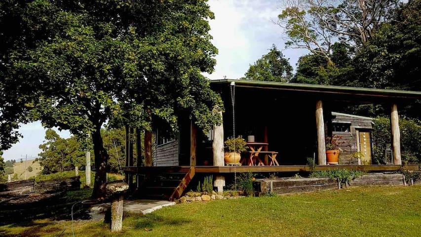 Idyllic cabin on the Dorrigo Escarpment
