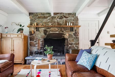 Scandi-Modern Catskills Cottage in Peaceful Setting