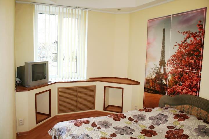 3-комнатная квартира в центре города, рядом Парк - Homieĺ - Wohnung