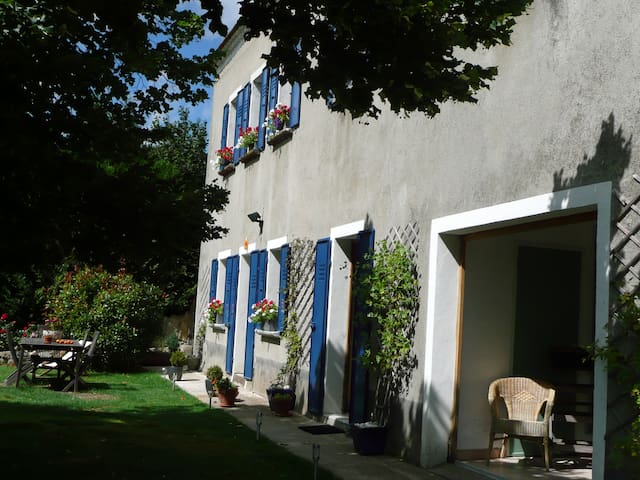 Mas du Tilleul Chambres hôtes - Saint-Étienne-de-Lugdarès
