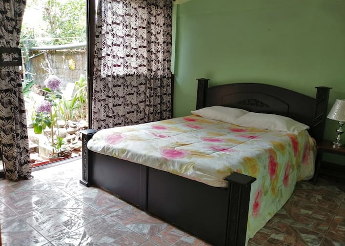 CasaTico  Economy room/near airport/WIFI/breakfast
