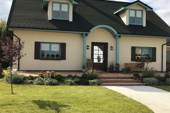 Luxusní ubytování ve stylu FARMHOUSE, s WELLNESS
