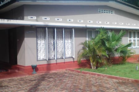 Holiday home or rooms for rental in Jaffna - Haus