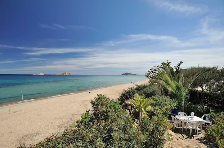 Villetta sulla spiaggia  - Santa Maria Navarrese - Rumah