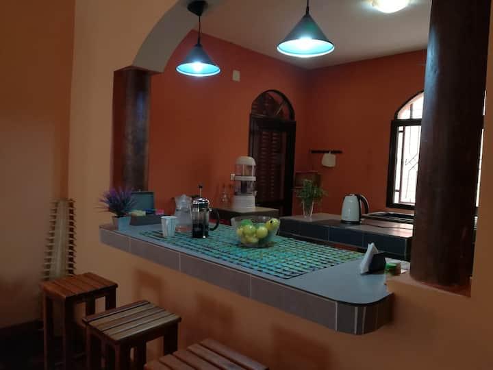 Chambre en villa de charme, avec jardin et vue !