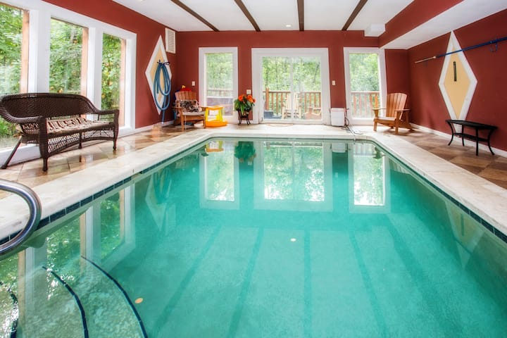 HEATED INDOOR POOL, LARGE SECLUDED CABIN