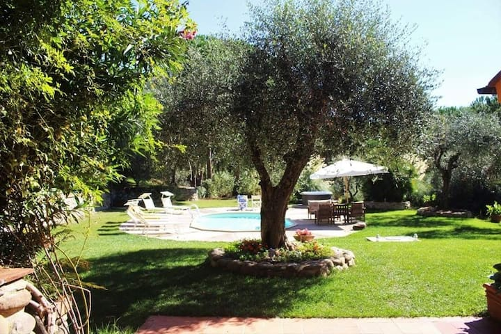 Villa Mery Lucca country house
