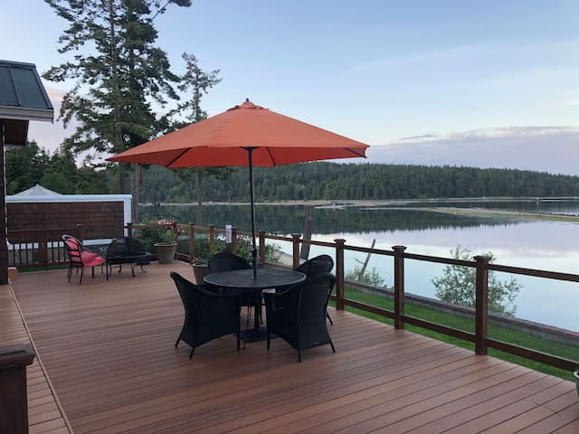 Family or Couples Waterside Retreat
