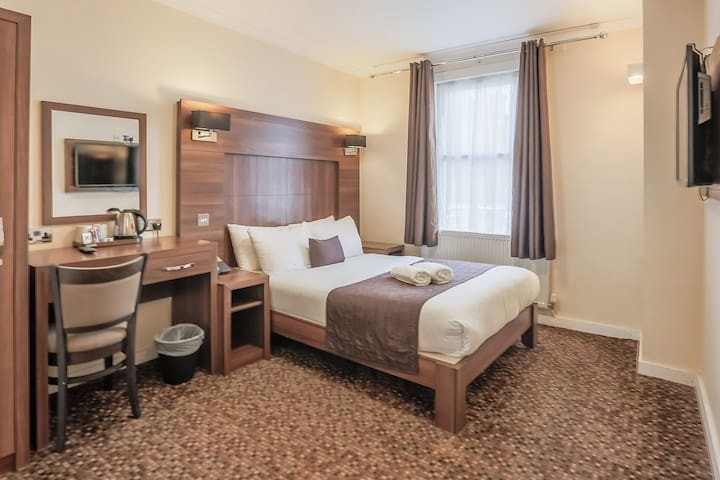Annex Double Room Prince Regent Hotel Excel London