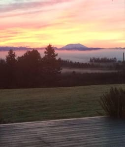 Cabin with THE VIEW in Winlock! - Winlock - 小木屋