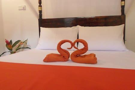 Heritage Villa - River view room - Dodanduwa - Casa