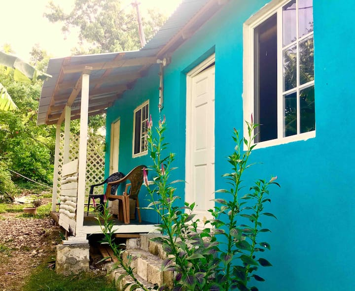 Easymans' Winifred Beach Cottage Cabin Room