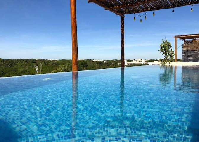 Amazing Apartment | Rooftop Pool + 2 free bikes