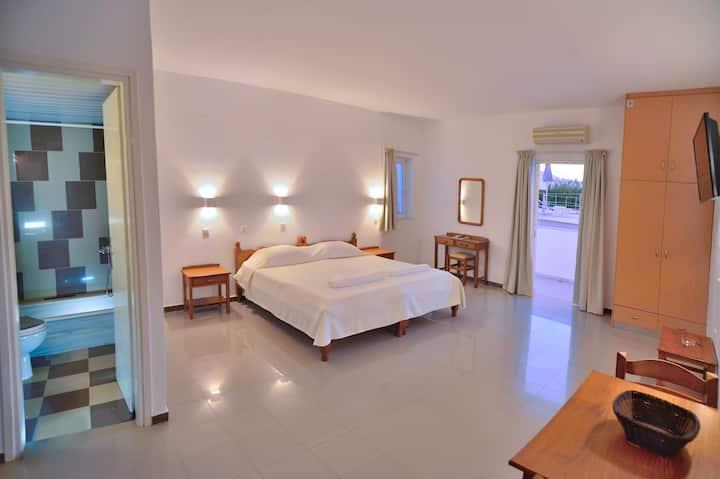 Reina Apartments Double Studio - Ground Floor