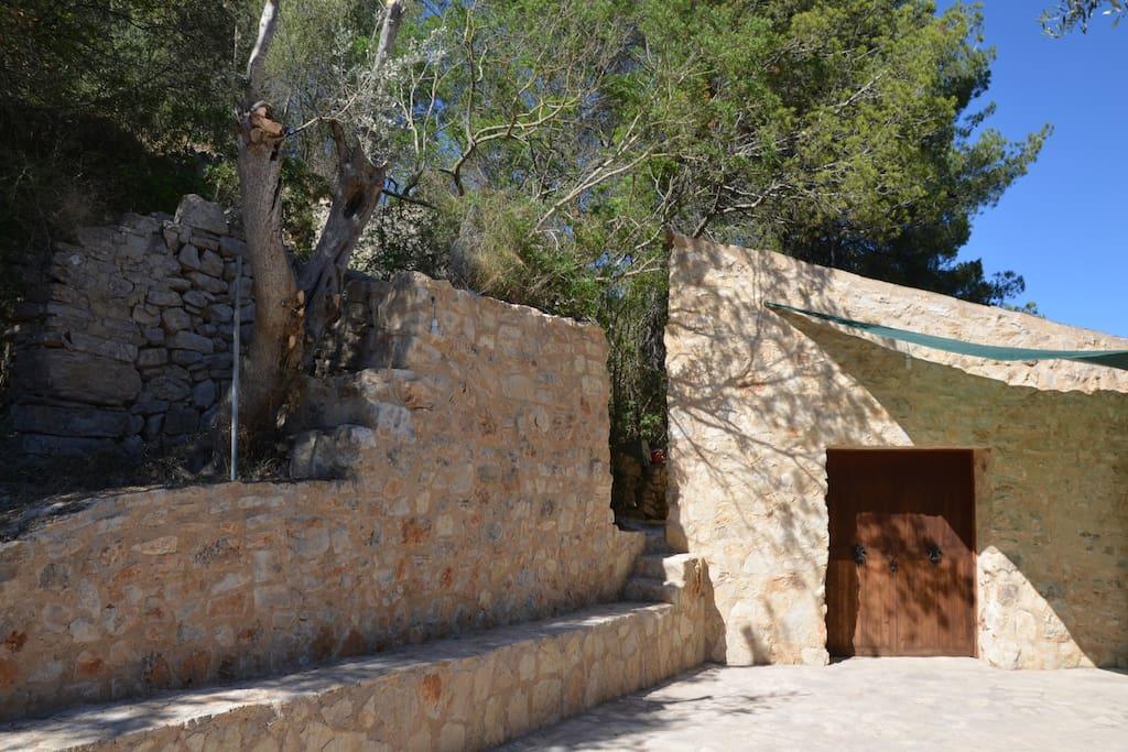 Alojamiento r stico con piscina en plena monta a h user for Piscinas naturales horta de sant joan