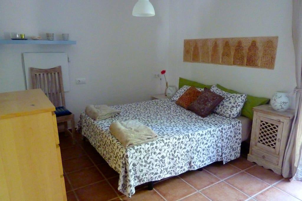 Piso con jard n patios y terraza apartments for rent in for Pisos en conil de la frontera