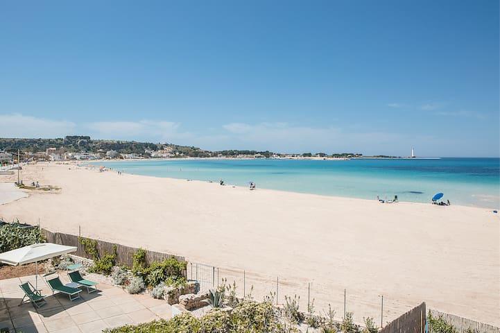San Vito Sea Front  Holiday Rental Villa Canneto