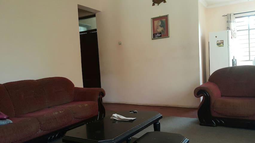 Leeu Tour Apartmnet