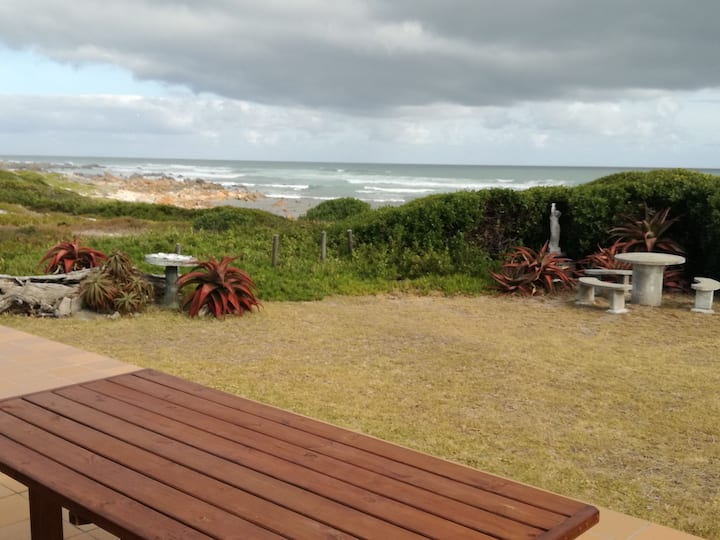 Oupos Self Catering Seafront accommodation