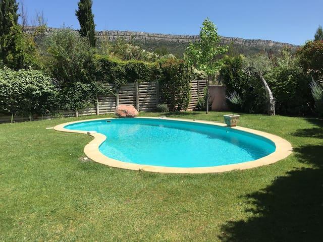 Belle Villa en Provence - Châteauneuf-le-Rouge - Villa