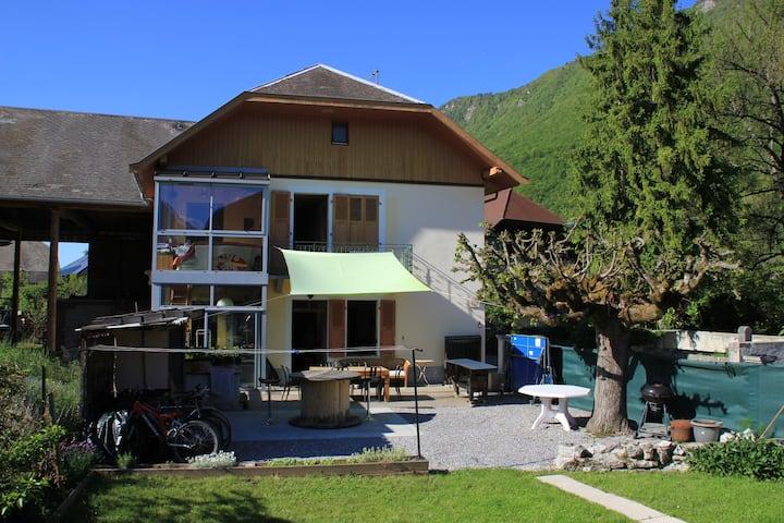 Lac Annecy montagne parapente vélo calme
