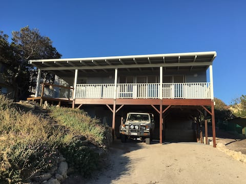 Beach Front - Pet Friendly - Guilderton