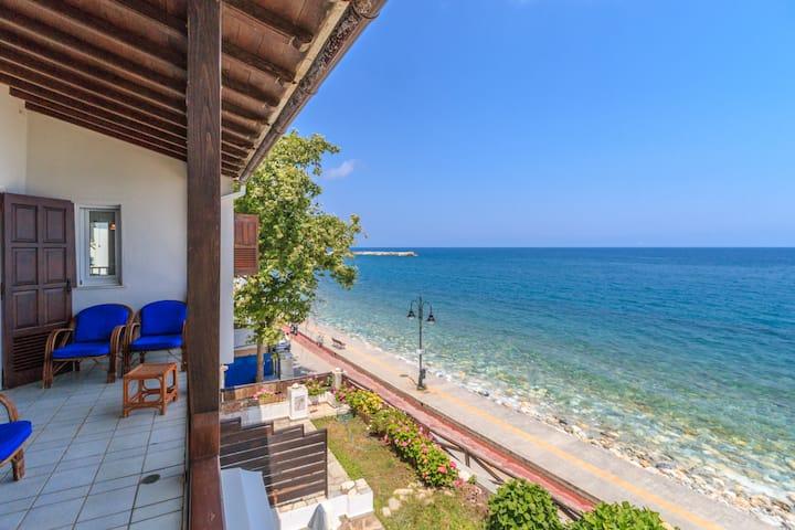 Agios Ioannis luxurious beachfront apartment