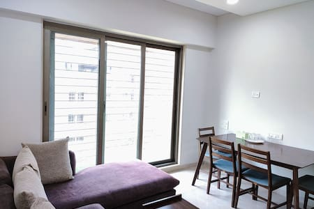 LuxStay Andheri Private 2BHK near Citimall