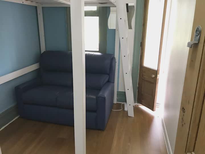 Share house with loft double bed near Bondi