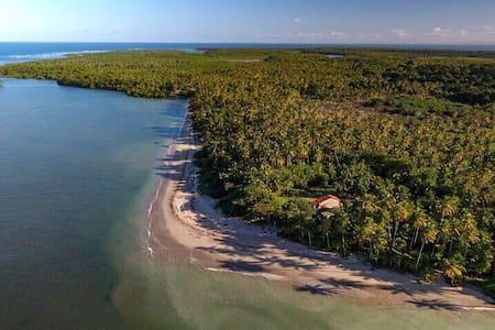Suíte Pontal do Bainema, única na praia de Bainema