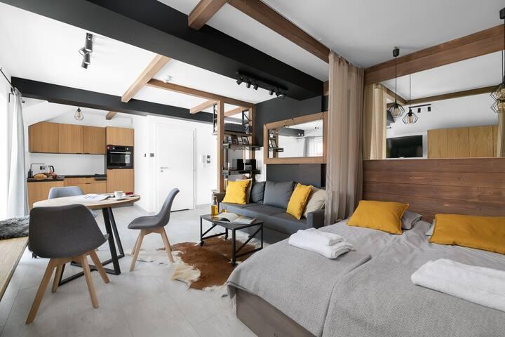Apartament 6-os. z balkonami i widokiem na stok