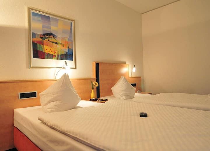 AKZENT Hotel Stadt Schlüchtern, (Schlüchtern), Einzelzimmer mit Dusche und WC