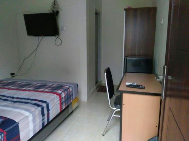 Only Seven Surabaya Guest House