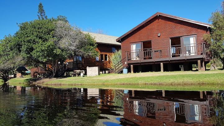 Steenbras Chalet, No16, Pirates Creek, Wilderness