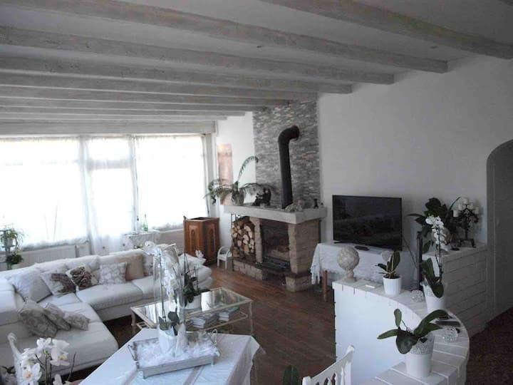 burgundy Nice house gîte Café de la gare SPA Pêche