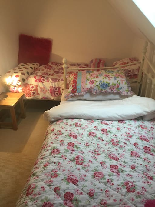 Single room with extra bed in