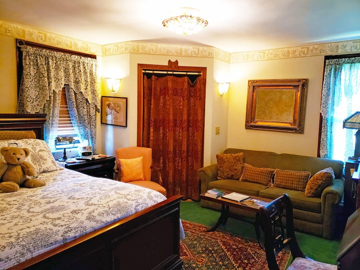 John's Room-Triple room-Ensuite-Standard
