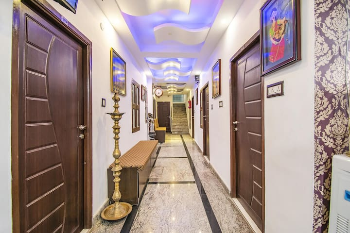 Deluxe Stay in Chennai