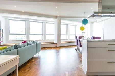 Luminous & Spacious (165m2) Apartment - EU quarter