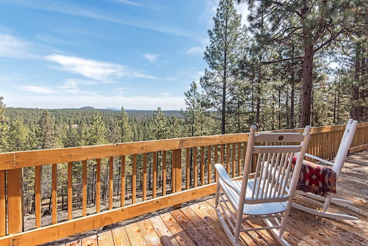 Oasis in the Pines- Deck   Hot tub   Private Pool