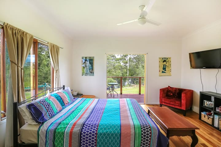 Sunhine Coast River Side home - Yandina - Casa