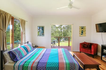 Sunhine Coast River Side home - Yandina