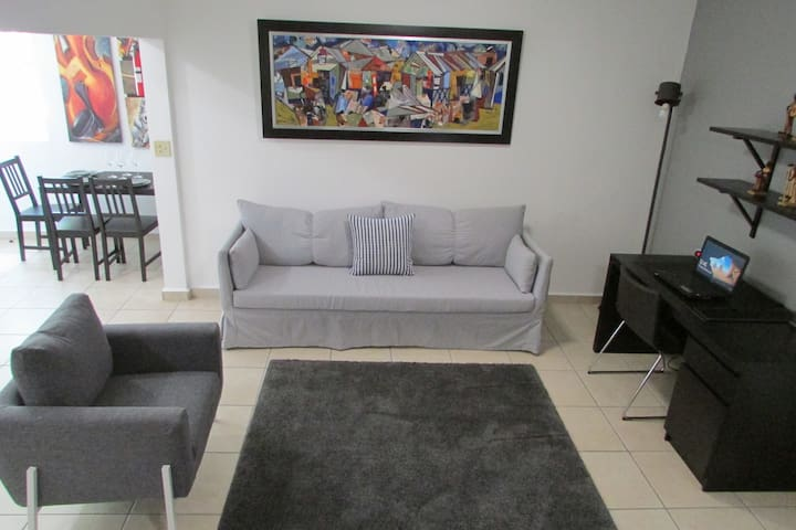 Amazing Apartment (3 Beds) + Private Parking