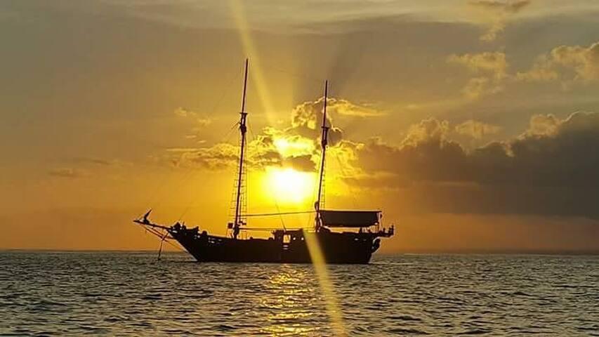 Luxury Pirate Boat in Komodo National Park