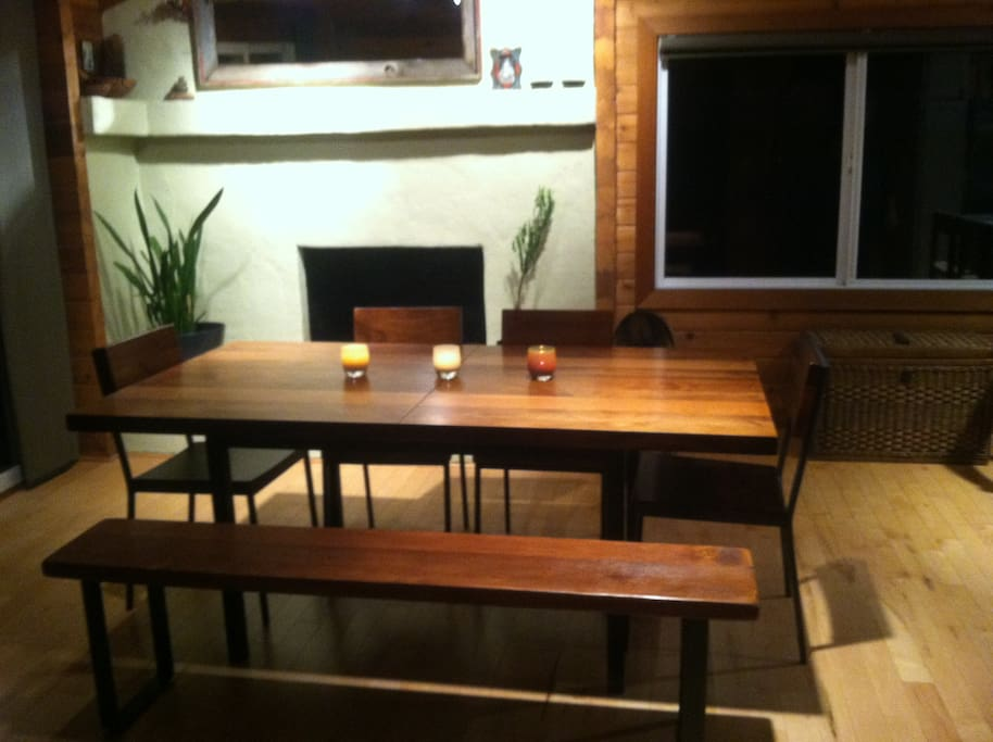 Dining table extends to seat 10-12