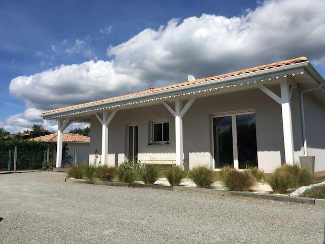 Villa d'architecte au coeur des Landes de Gascogne